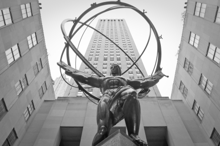 titans: Statue of Atlas at rockefeller plaza Editorial
