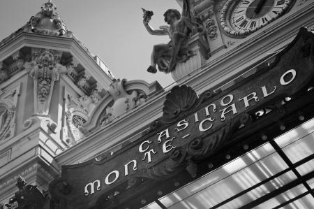 Monte Carlo Casino in black   white Redactioneel