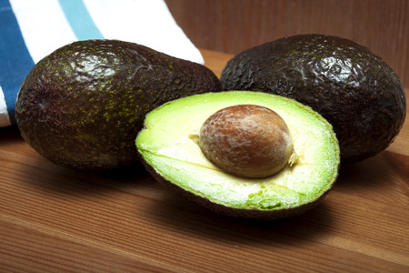 good cholesterol: Native to Mexico and Central America, Avocado is a good source of healthy vegetable fat that is both monounsaturated and polyunsaturated. The low cholesterol in this plant makes it one of the best dietary options for a healthy heart and a long life.