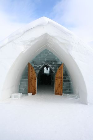 Entrance Igloo.