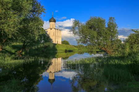 nerl: Pokrov Nerl cathedral reflection water twelve century Stock Photo