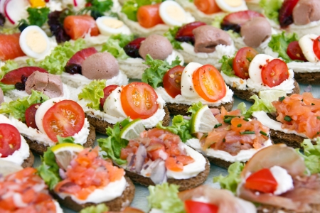 Mixed mini canapes on a plate Imagens - 21610622