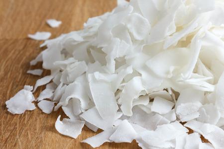cocotier: Détail de secs flocons de noix de coco rasé. En perspective.