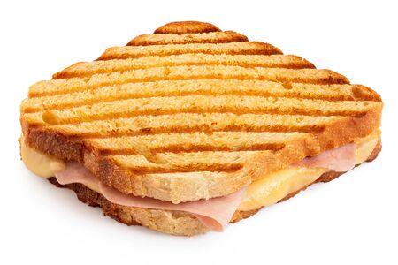 Geröstetes Käse- und Schinken-Sandwich mit Grillspuren, isoliert auf weiss. Standard-Bild
