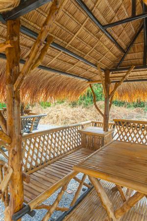 Lijst die in bamboehut wordt geplaatst in Thailand
