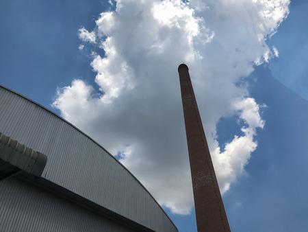 brick kiln at tire factory, air pollution at Thailand Foto de archivo