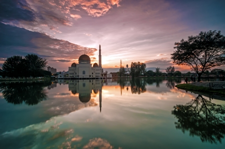 salam: As Salam Mosque at sunrise with reflection in Puchong Perdana, Malaysia Stock Photo