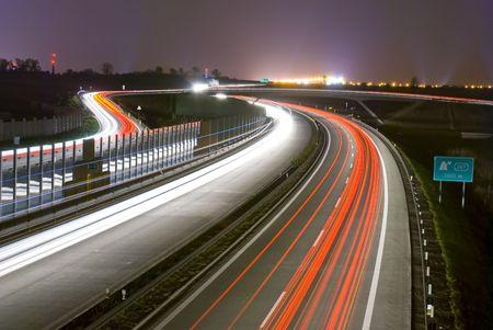 fast lane: Noche carretera - larga exposici�n - las l�neas de luz