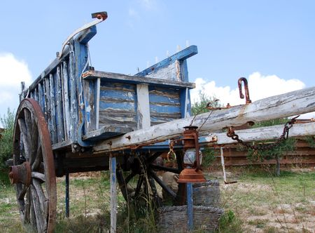 Old wooden carriage remanding far west times            Stock Photo - 3086130