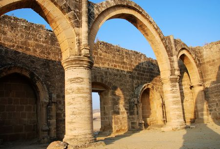 Ancient temple with colums and pillars form an old village in CYPRUS 版權商用圖片 - 3283401
