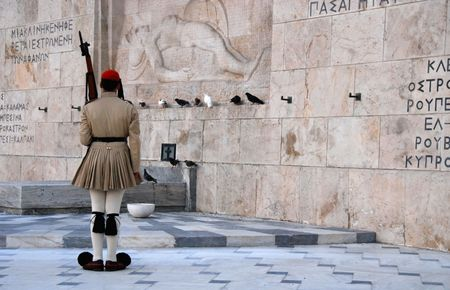 tsolias: Evzone in front of the tomb of the unknown soldier in front of Athens parliament Stock Photo