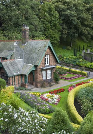 architecture bungalow: Small house with garden in Edinburgh from Princess Street gardens