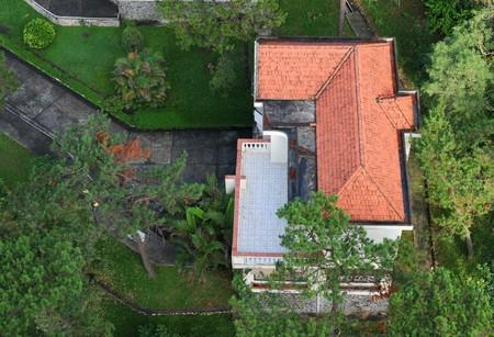 rooftop: Chalet huis op het dak met prachtige tuin