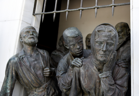 autonomia: Bronze Statues on the liberty monument in the city of Nicosia in Cyprus.  The monument was erected in 1973 and it symbolises the Greek Cypriots  struggle for independence from 1955  1959
