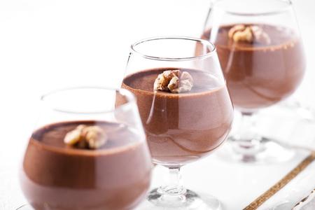 chocolade mousse: Foto van een smakelijke op zoek chocolade mousse dessert