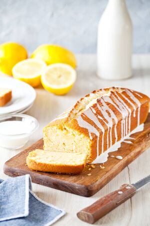 Homemade pound cake with vanilla and organic lemons Standard-Bild