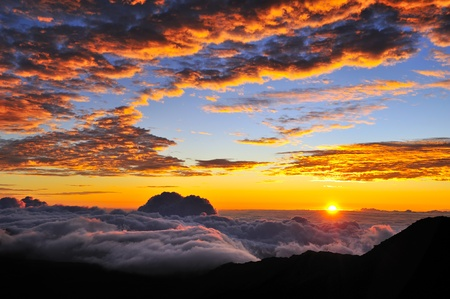 hawaii sunset: Stunning mountain top sunrise