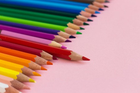 Color crayons in order one taller above
