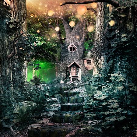 魔法の木と金の白熱球のおとぎ話のシーン