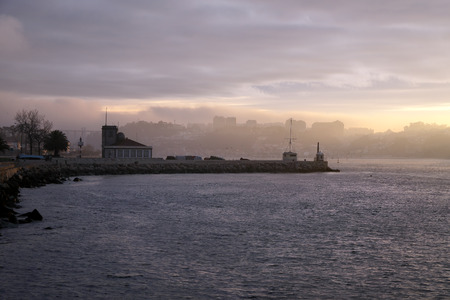 weather gauge: Douro River, near its mouth, tide gauge area, in a colorful sunrise
