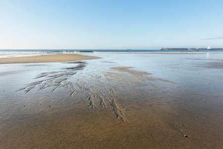 Low tide. Matosinhos sea beach during low tide, north of Portugal. Archivio Fotografico