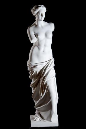 afrodite: Statua classico marmo bianco Afrodite di Milo isolato su sfondo nero Archivio Fotografico