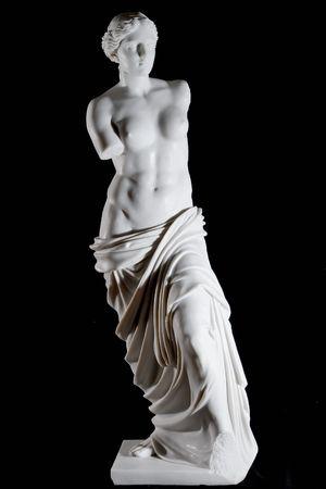 "escultura romana: Estatua de m�rmol blanco cl�sico ""Afrodita de Milos"" aisladas sobre fondo negro"