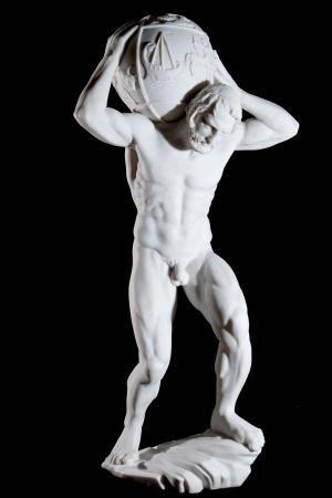 Atlas: White Classic Statue der Titan Atlas isoliert auf schwarzem Hintergrund Lizenzfreie Bilder