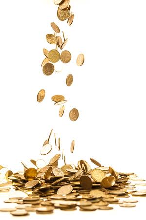 金のコインを落下