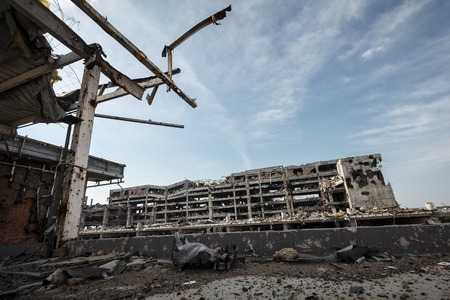 artillery shell: Wide Angle view of donetsk airport ruins after massive artillery shelling