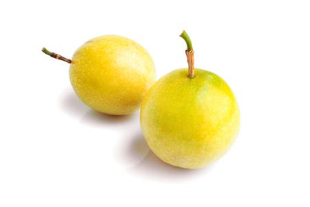 grenadilla: Fresh Passion fruit on white background