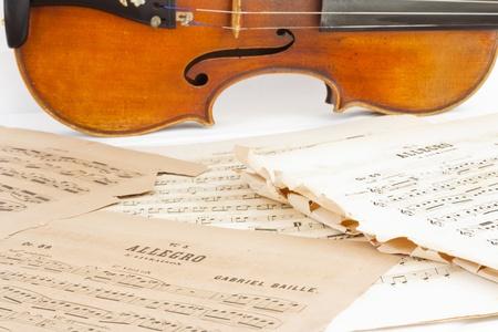 sheetmusic: The Violin and sheetmusic