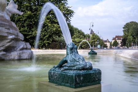 ville: Fontaine dans la ville de Troyes