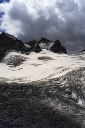 French Alps Glacier Foto de archivo - 131960819