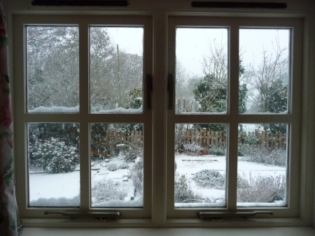 cottages: Snow windows