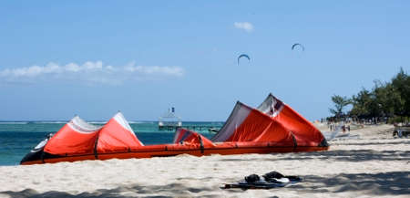A scenic picture of kiting on an exotic Island Stock Photo - 1463687