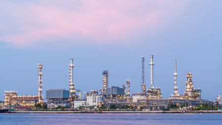 Oil refinery plant of Petrochemistry industry in twilight time, gas and oil production processing in Bangkok, Thailand. 스톡 콘텐츠