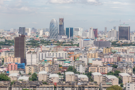Cityscape Bangkok skyline with beautiful blue sky, central business district of Thailand. Фото со стока - 90880796