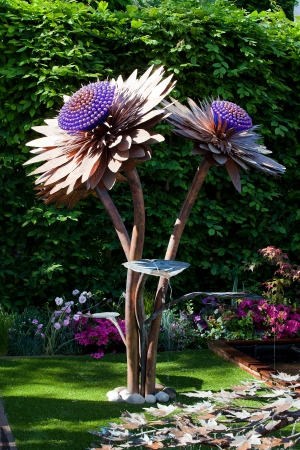 LONDON - MAY 2012 - RHS CHELSEA FLOWER SHOW: The Chelsea Flower Show has been running since 1862. Large flower sculpture. One of many amazing sculptures.