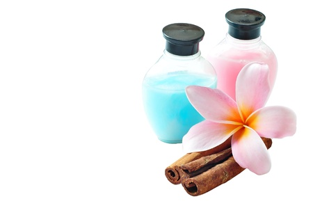 Isolated Plumeria dan Shampoo On SPA concept