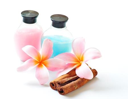 粉紅色的花朵和淋浴的水療