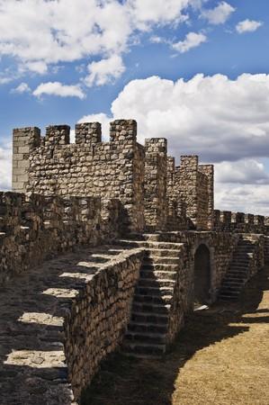 crenelation: Medieval walls of the castle of Arraiolos, Alentejo, Portugal