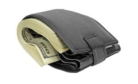 bolsa dinero: cartera de cuero negro con dinero aislada sobre fondo blanco