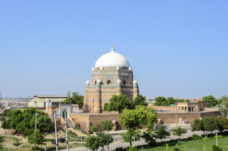 shah: Tomb of Shah Rukn-e-Alam in multan
