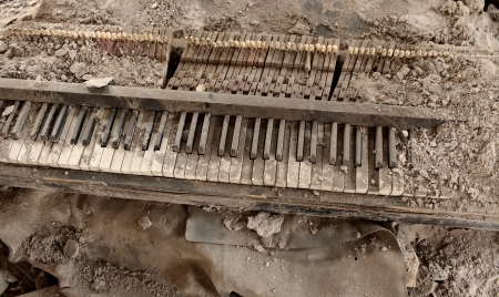 explosion of destroyed by the piano