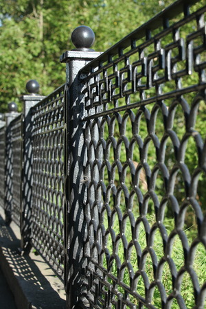 cast iron: patterned cast iron fence