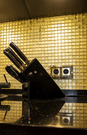 granite kitchen: luxury kitchen with granite worktop