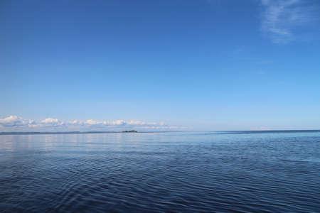 blue lake, beautiful seascape clear sky cloud on the horizon Standard-Bild