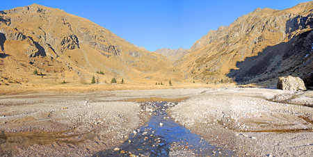 ice dam: Gleno dam. Natural lake