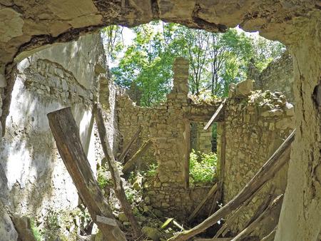 ghost rock: Abandoned houses - Pradale